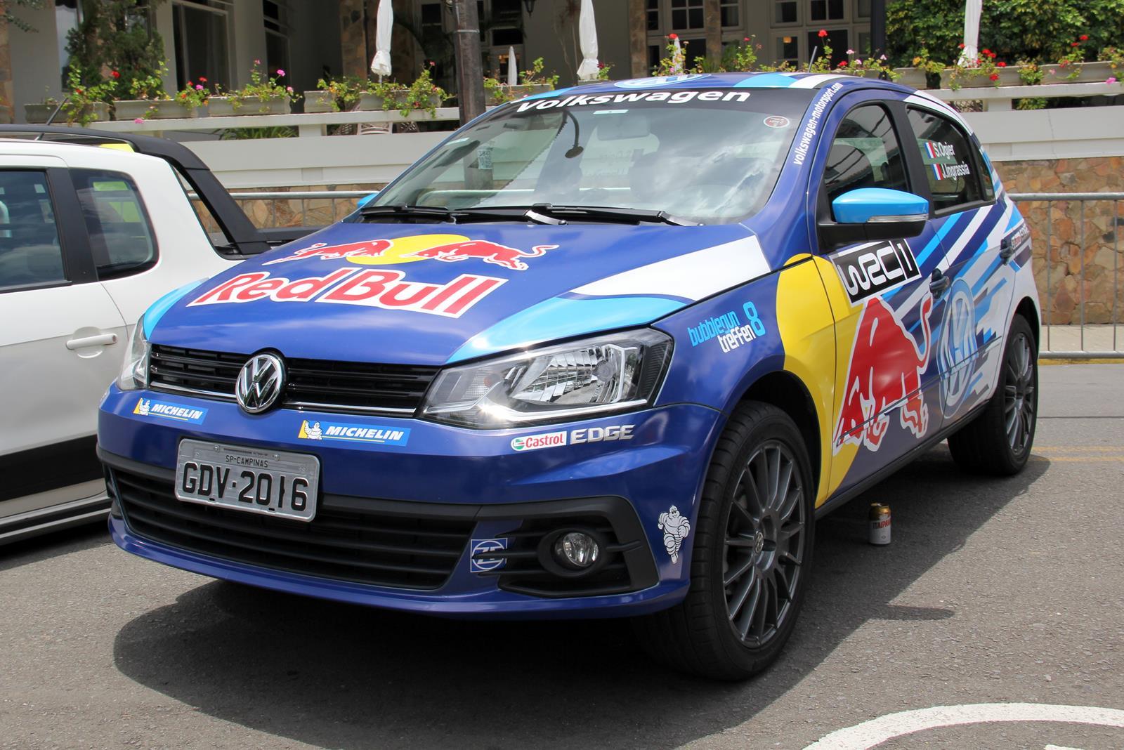 Gol personalizado pela Volkswagen se passa facilmente pelo Polo do WRC