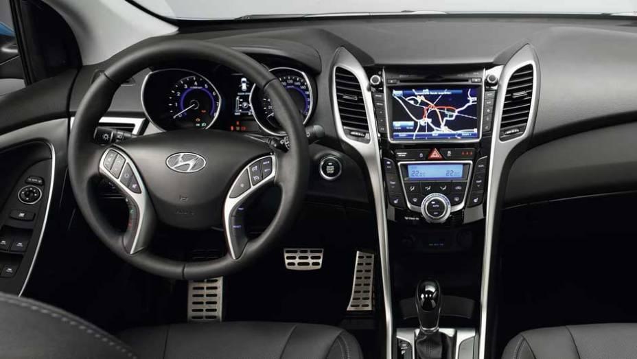 """De acordo com a Hyundai, hatch ganhou mais espaço interno - <a href=""""http://quatrorodas.abril.com.br/reportagens/salao/hyundai-i30-639880.shtml"""" rel=""""migration"""">Leia Mais</a>"""