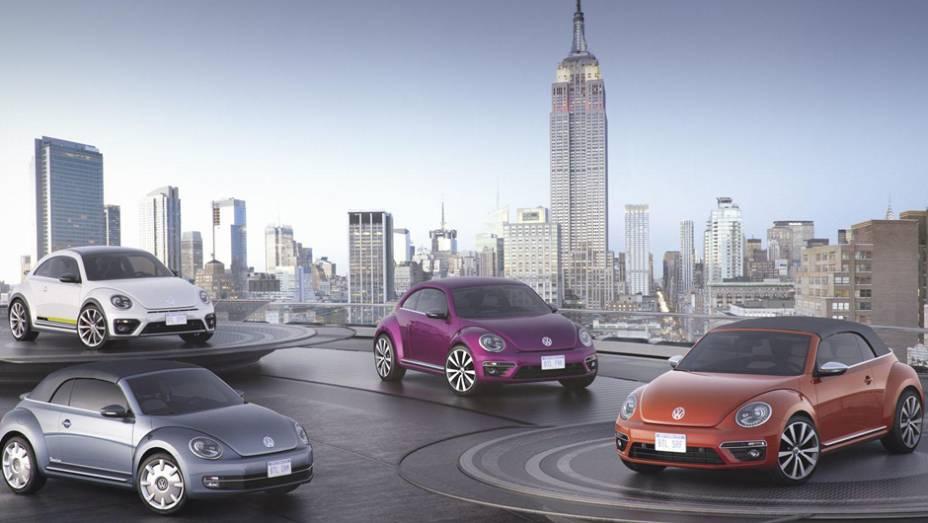 """VW apresenta os quatro conceitos feitos sobre o Beetle   <a href=""""http://quatrorodas.abril.com.br/noticias/saloes/new-york-2015/volkswagen-mostra-quatro-conceitos-beetle-nova-york-852330.shtml"""" target=""""_blank"""" rel=""""migration"""">Leia mais</a>"""