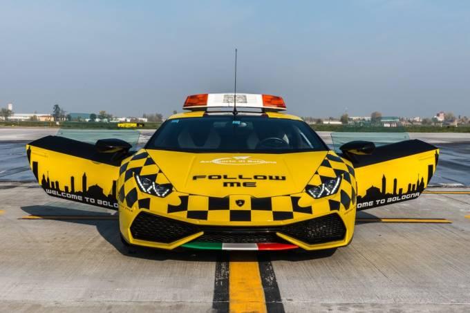 Lamborghini Huracán no aeroporto 1