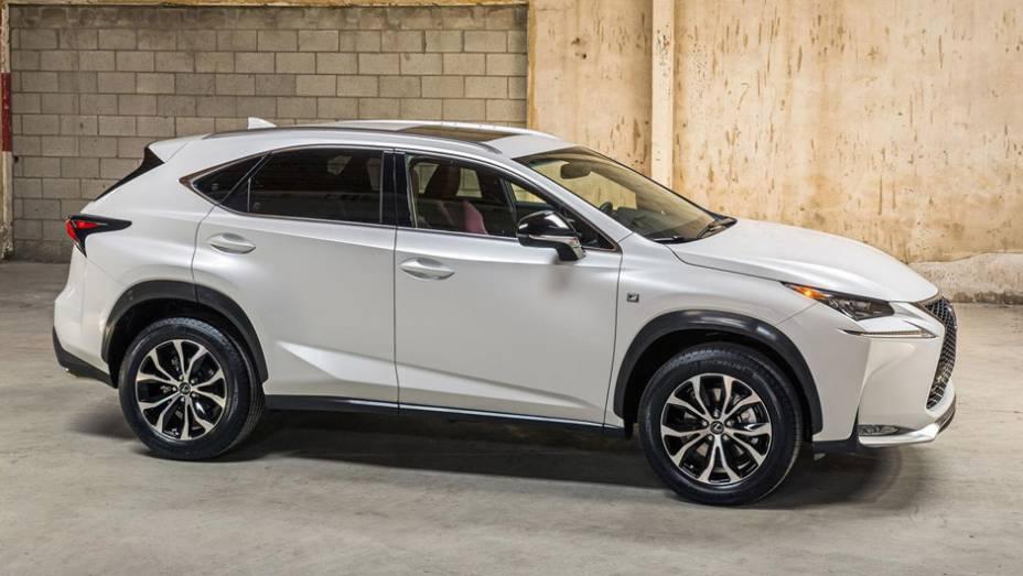 """Lexus NX 2015 200t   <a href=""""http://quatrorodas.abril.com.br/noticias/saloes/pequim-2014/lexus-revela-crossover-nx-2015-pequim-780341.shtml"""" rel=""""migration"""">Leia mais</a>"""