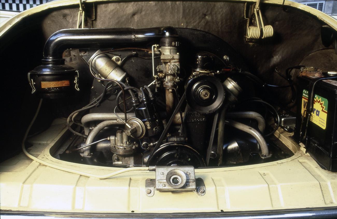 O motor 1200 tem modestos 36 cv, mas soa como música para os ouvidos