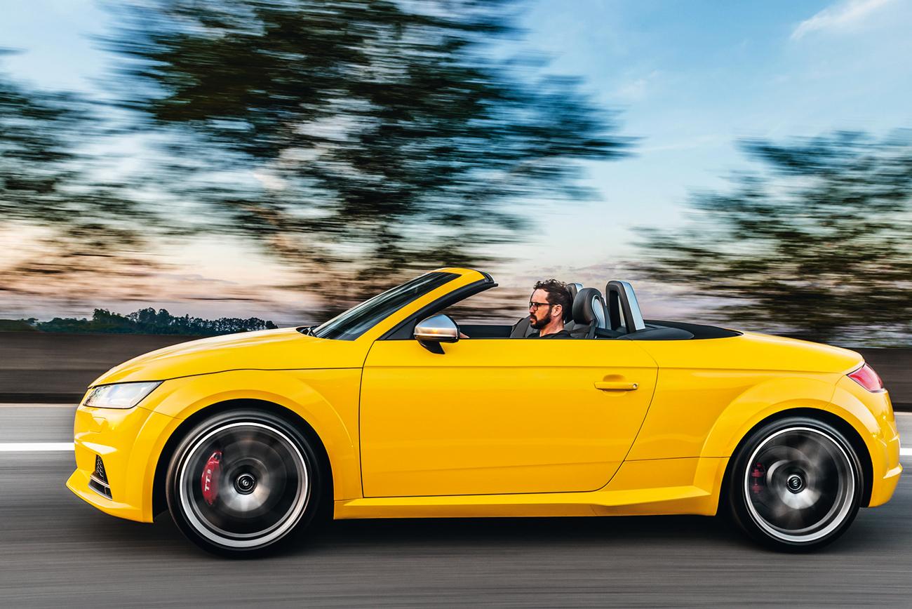 O Audi tem entre-eixos maior que o rival, porém o Porsche é 18,8 cm maior