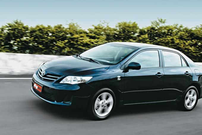 Corolla GLi 1.8 16V Dual VVTi (aut.) – 4/2011