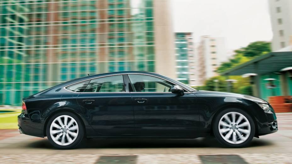 Perfil da traseira é o destaque do sedã-cupê da Audi