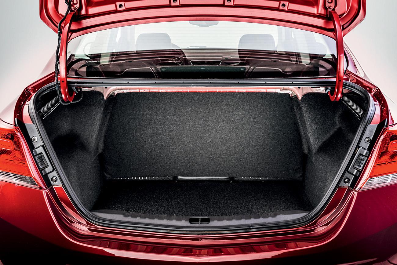 Porta-malas do Prisma tem 500 litros