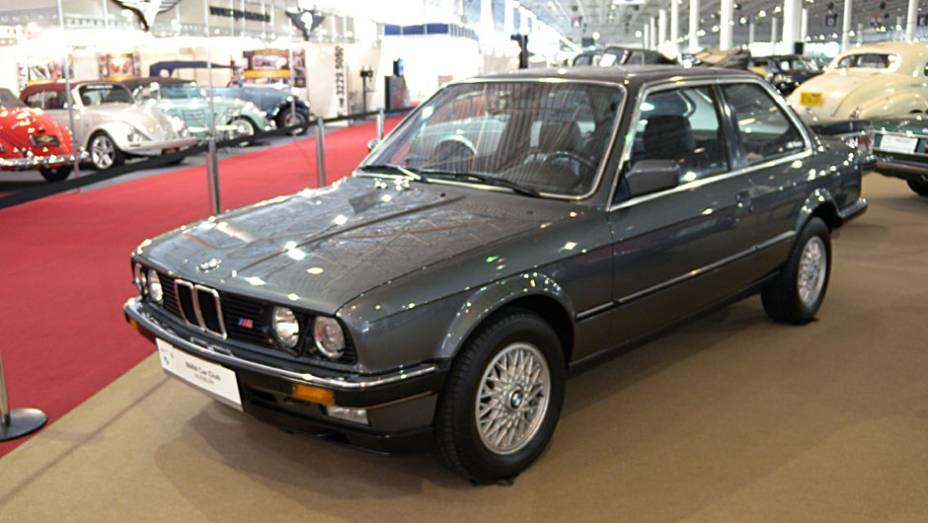 BMW 320i com o pacote da divisão esportiva M