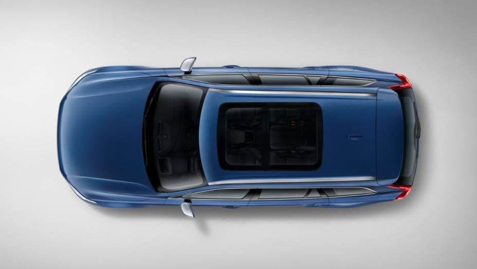 """SUV não sofreu nenhuma alteração na motorização e segue com a mesma gama Drive-E da versão regular   <a href=""""http://quatrorodas.abril.com.br/noticias/saloes/detroit-2015/volvo-mostro-xc90-r-design-825360.shtml"""" rel=""""migration"""">Leia mais</a>"""