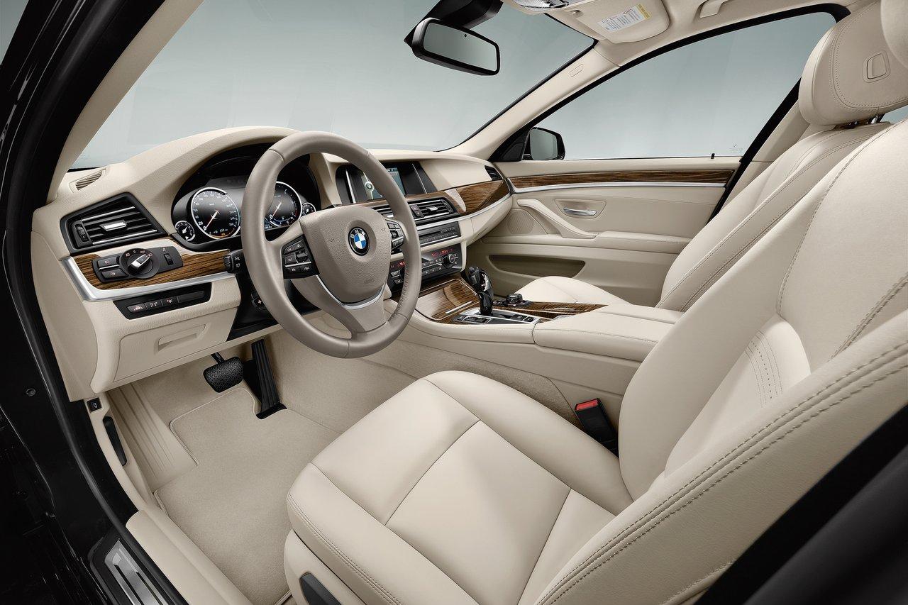 Interior de um BMW 550i