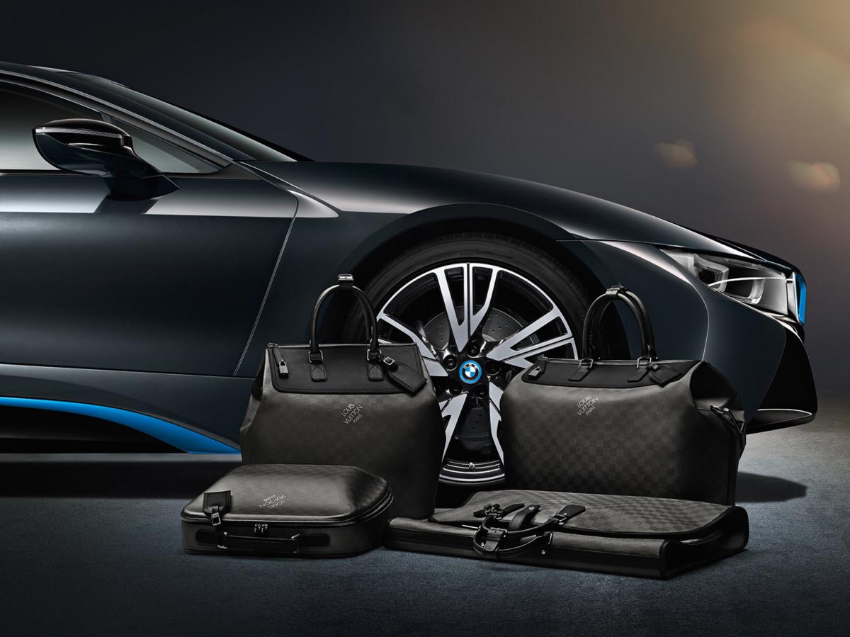 BMW i8 com malas personalizadas da Louis Vuitton