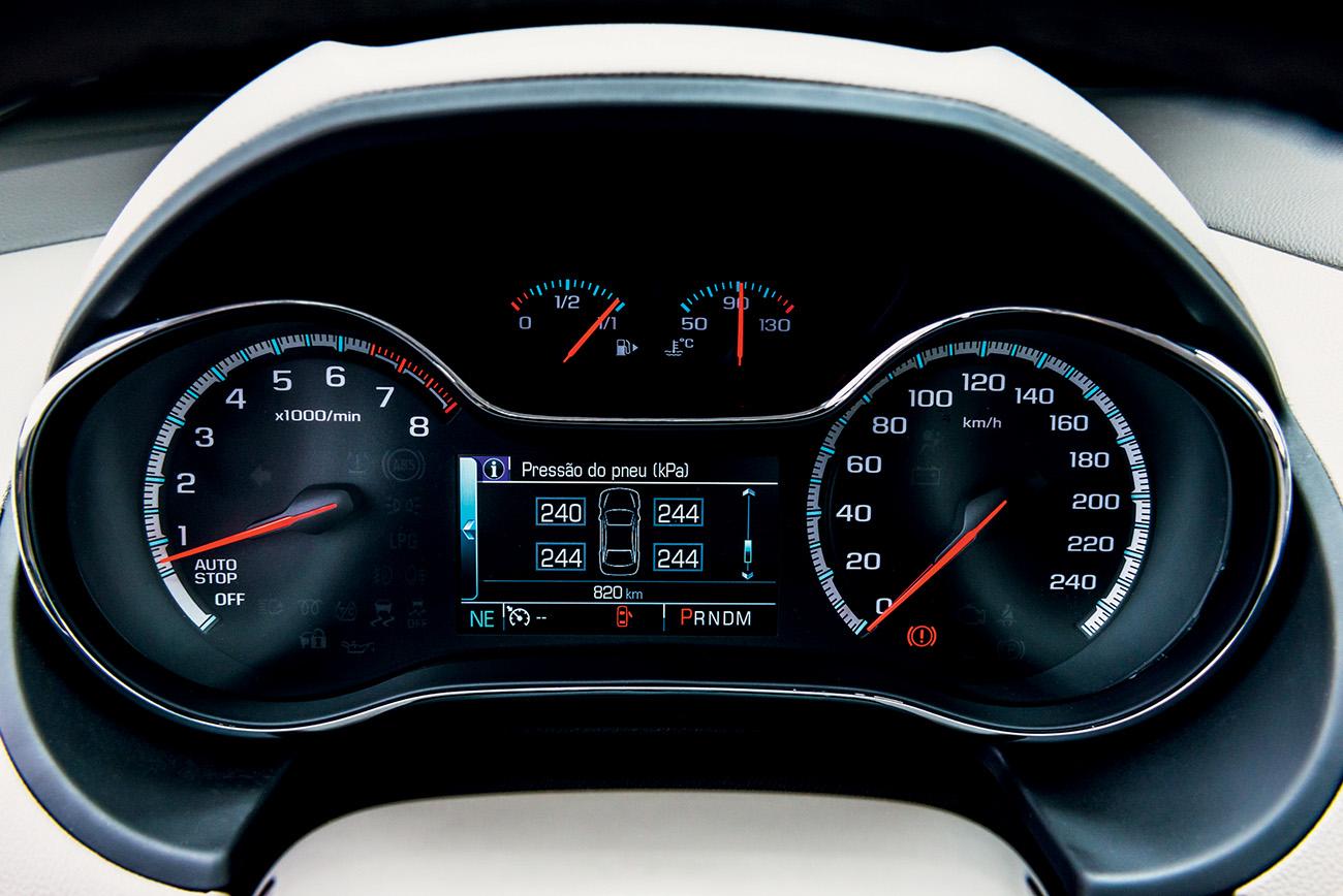 Monitoramento da pressão dos pneus é de série desde a versão LT