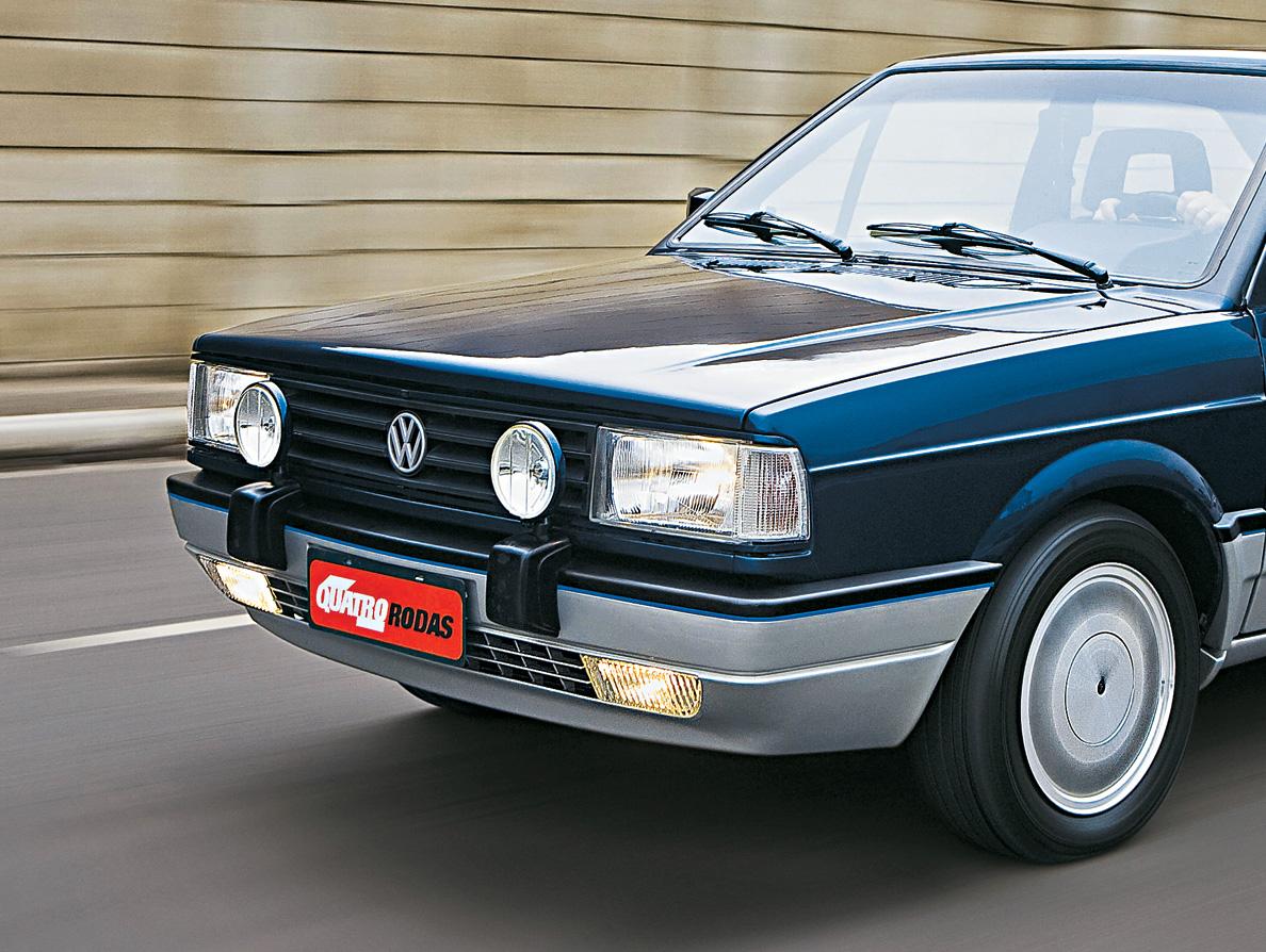 Faróis de longo alcance do VW Gol GTi