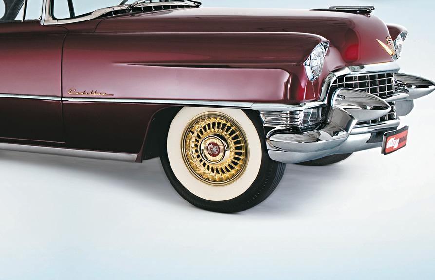 Pneu com faixa branca do Cadillac Coupé De Ville