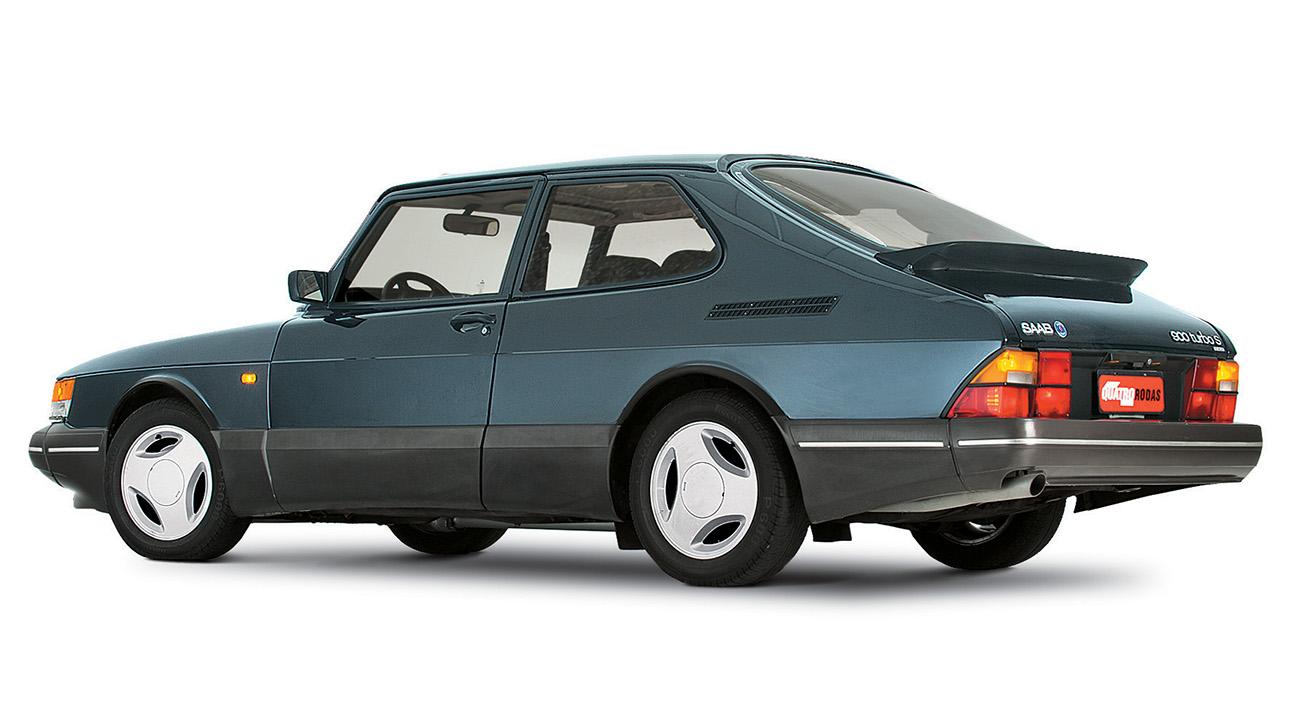 Com seu motor 2.0 turbo, passava dos 200 km/h