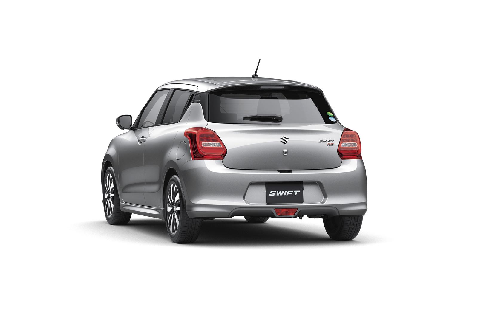 Suzuki Swift em posição 3x4 de traseira