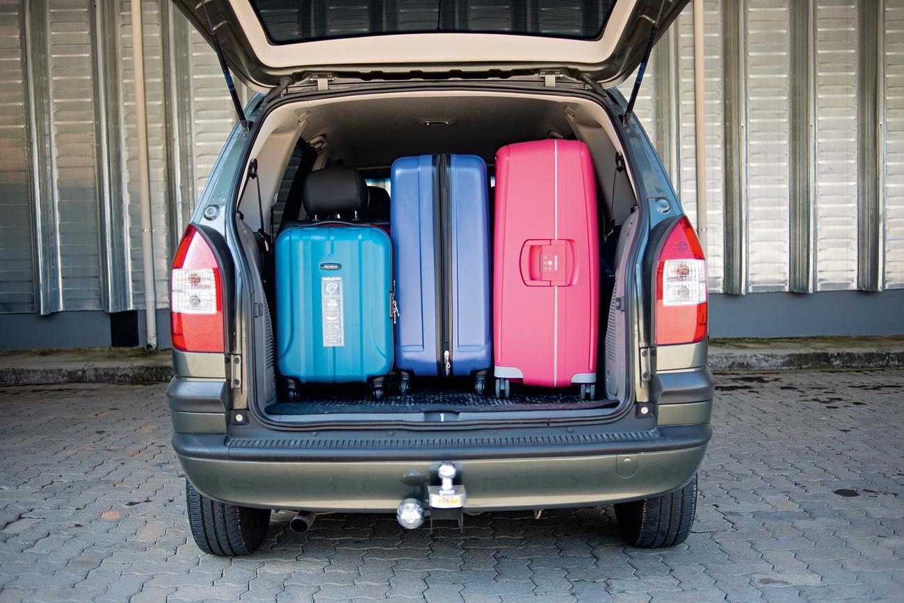 Porta-malas da Zafira comporta 600 litros e permite melhor disposição da bagagem