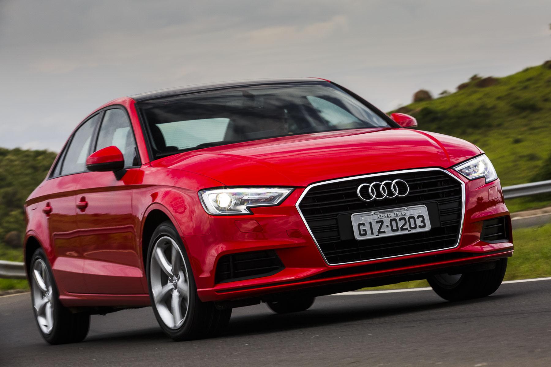 Audi A3 Sedan na posição 3x4 de frente