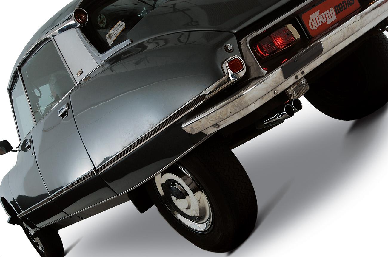 Ao toque de um botão, motorista poderia ajustar a suspensão em três níveis de altura