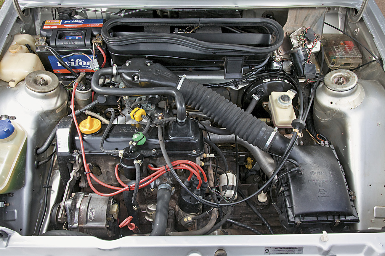 Motor 1.8 carburado produzia 93 cv e 16,1 mkgf