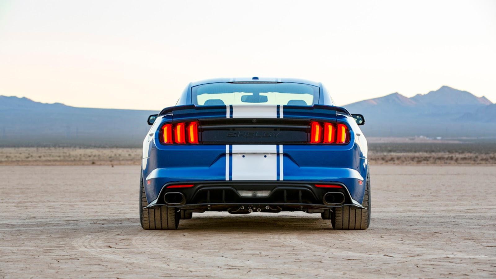 Mustang Shelby Super Snake de traseira