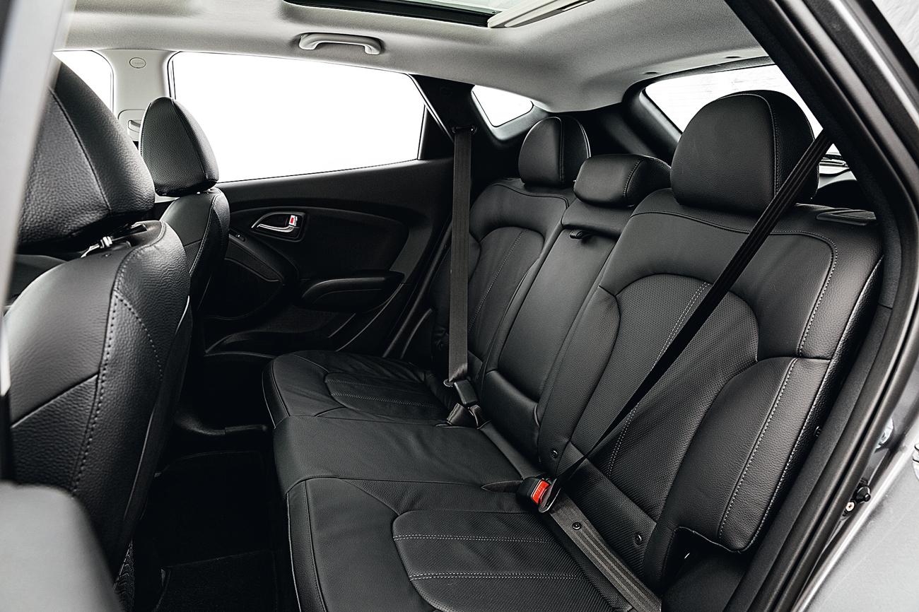 No ix35, cinto de segurança do passageiro central é subabdominal