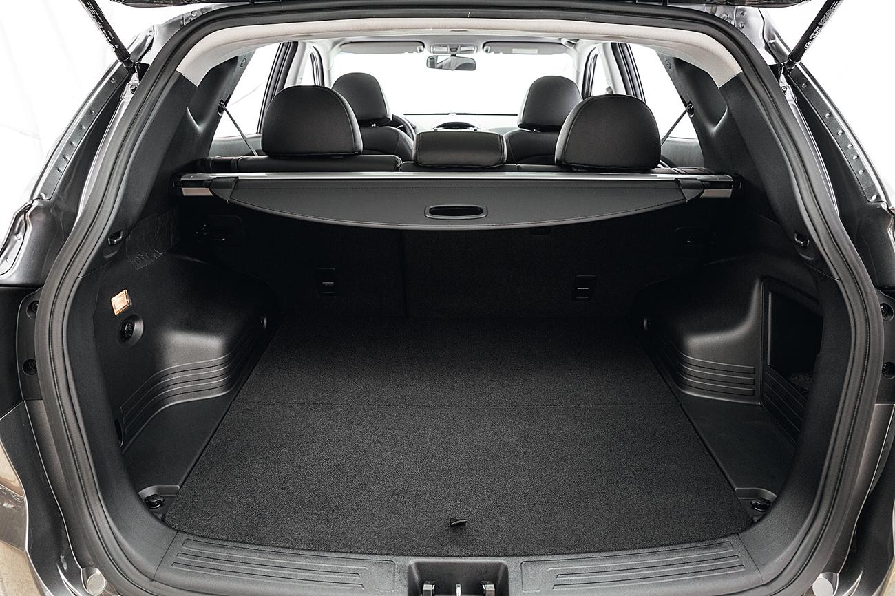 O ix35 leva mais bagagem: 728 litros