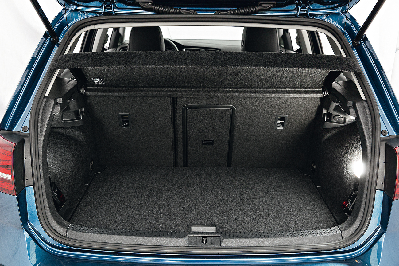 Porta-malas comporta até 313 litros de bagagem