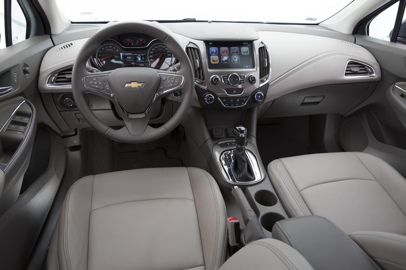 No interior não há a montagem precisa do Volkswagen, mas terá um ambiente mais requintado do que o Focus