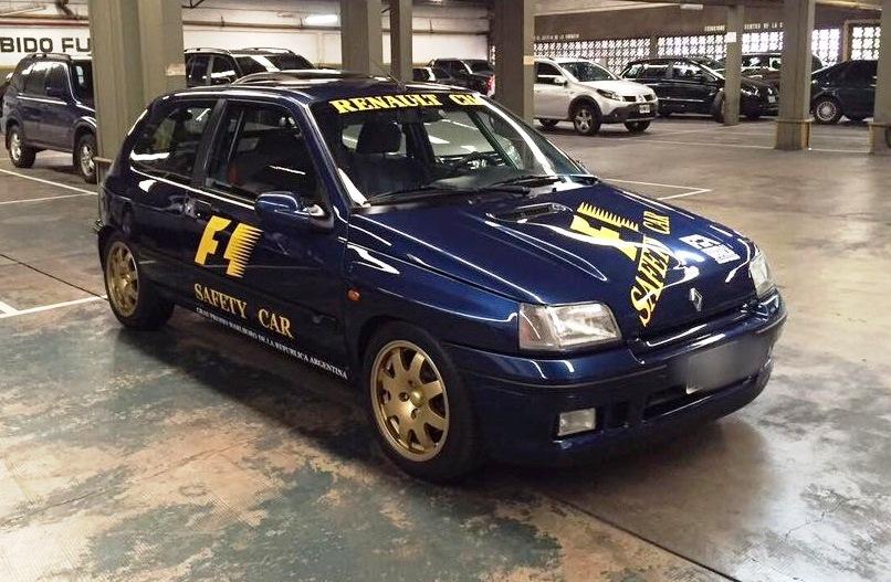 Clio Williams Safety Car 3x4 de frente
