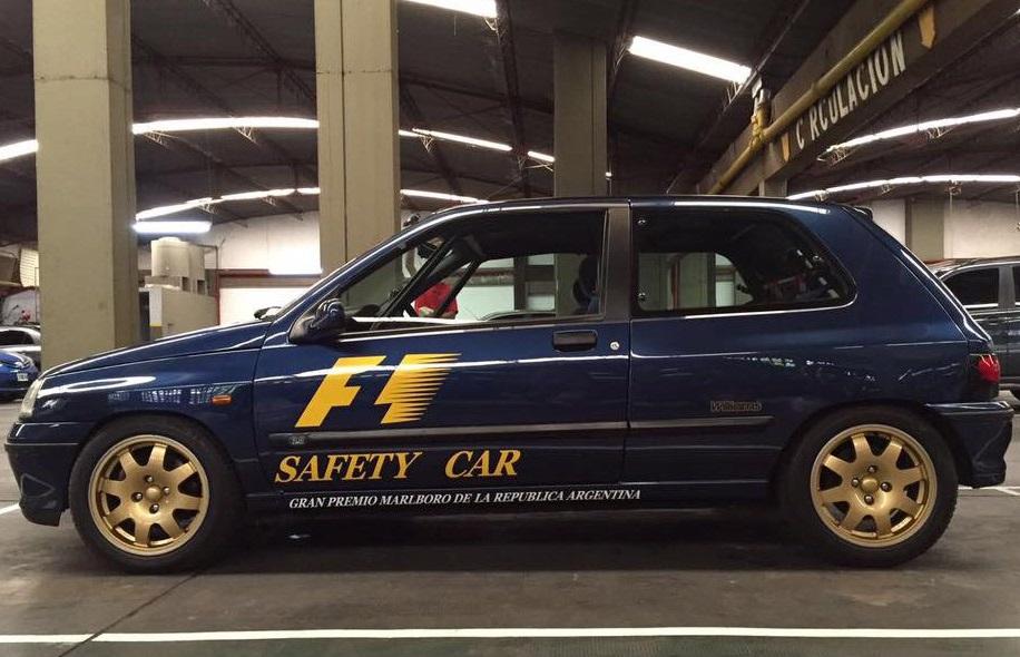 Clio Williams Safety Car perfil