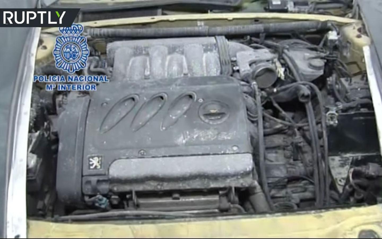 Motores 2.0 e 2.5 de marcas como Peugeot equipavam os falsos superesportivos