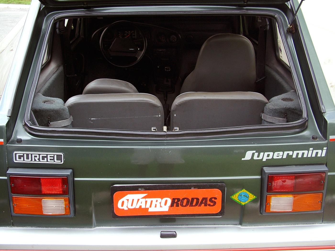 Apesar de maior que o BR 800, espaço no banco traseiro e no porta-malas era restrito