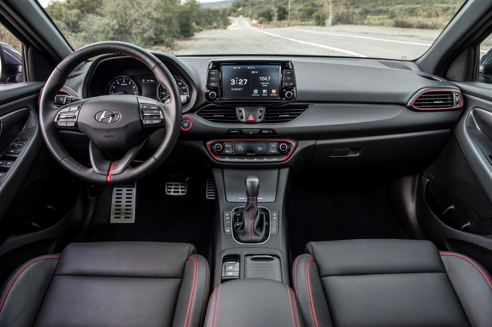 Hyundai Elantra GT cabine