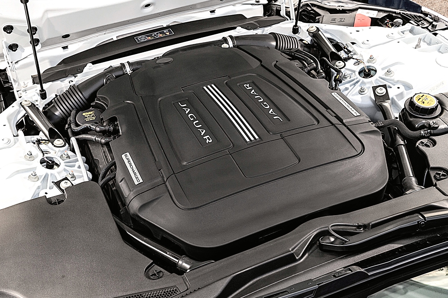 Motor V6 3.0 Supercharged do Jaguar F-Type