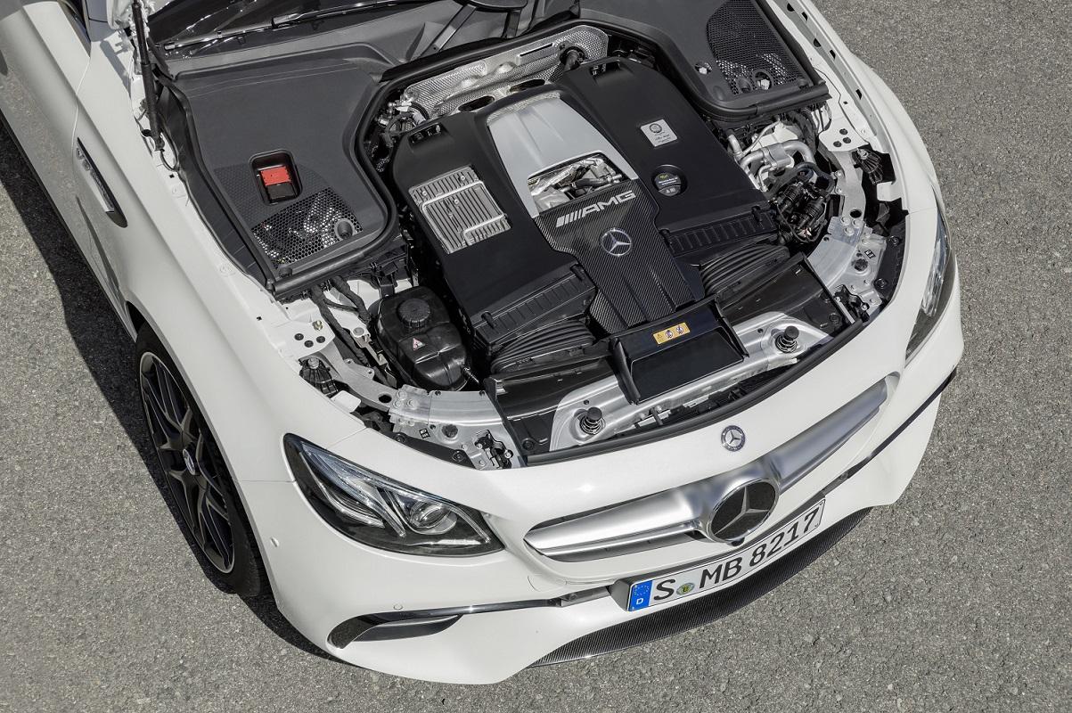Mercedes-AMG E 63 S motor