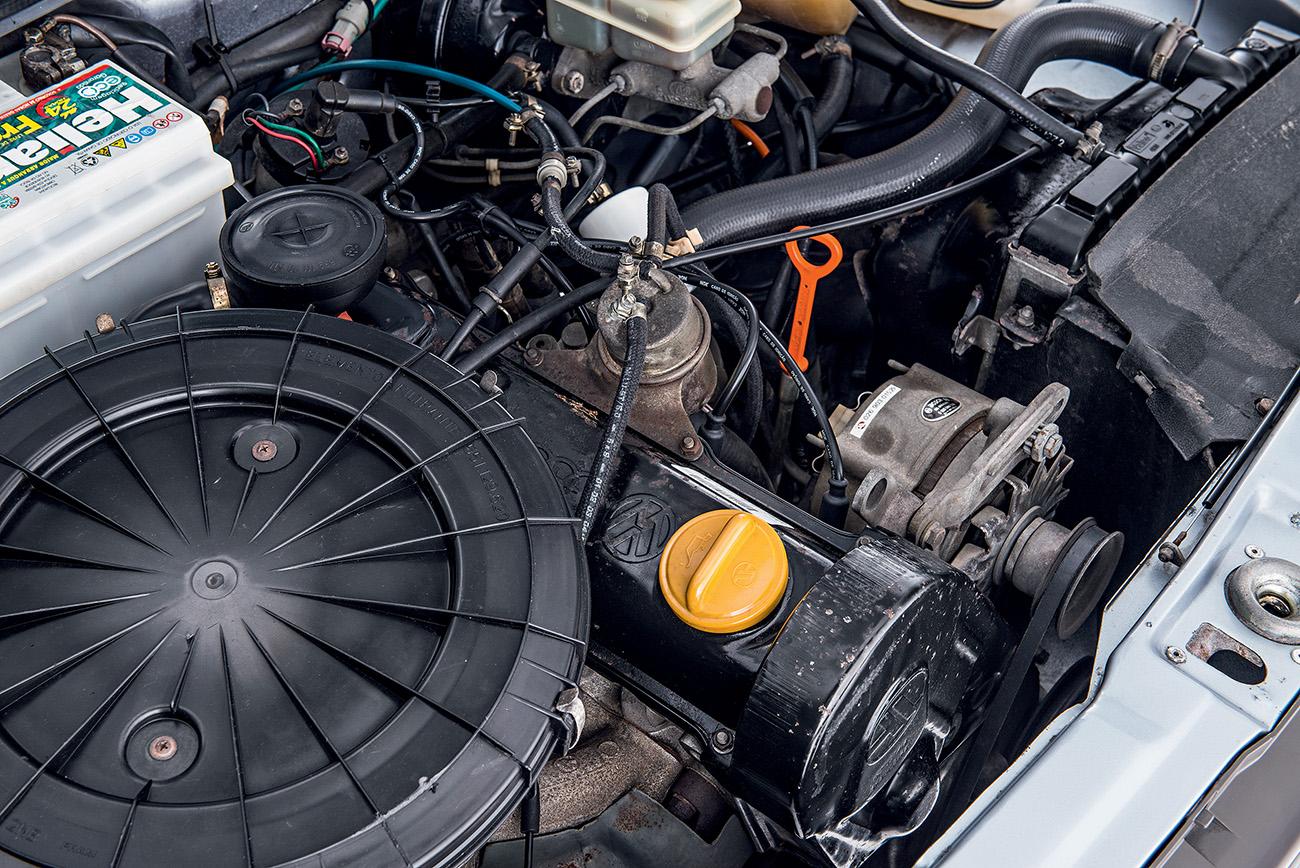 O motor 1.6 de 80 cv destoava da proposta esportiva