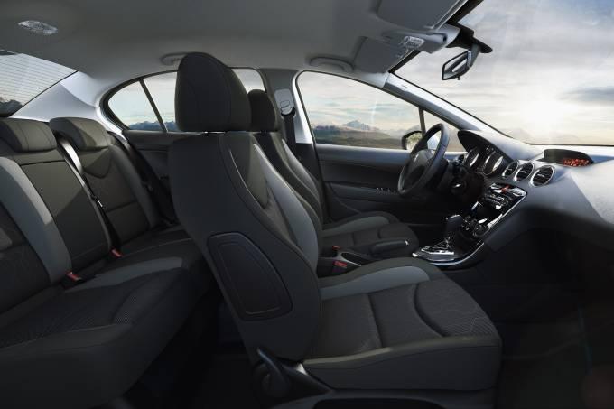Publi_Peugeot 408