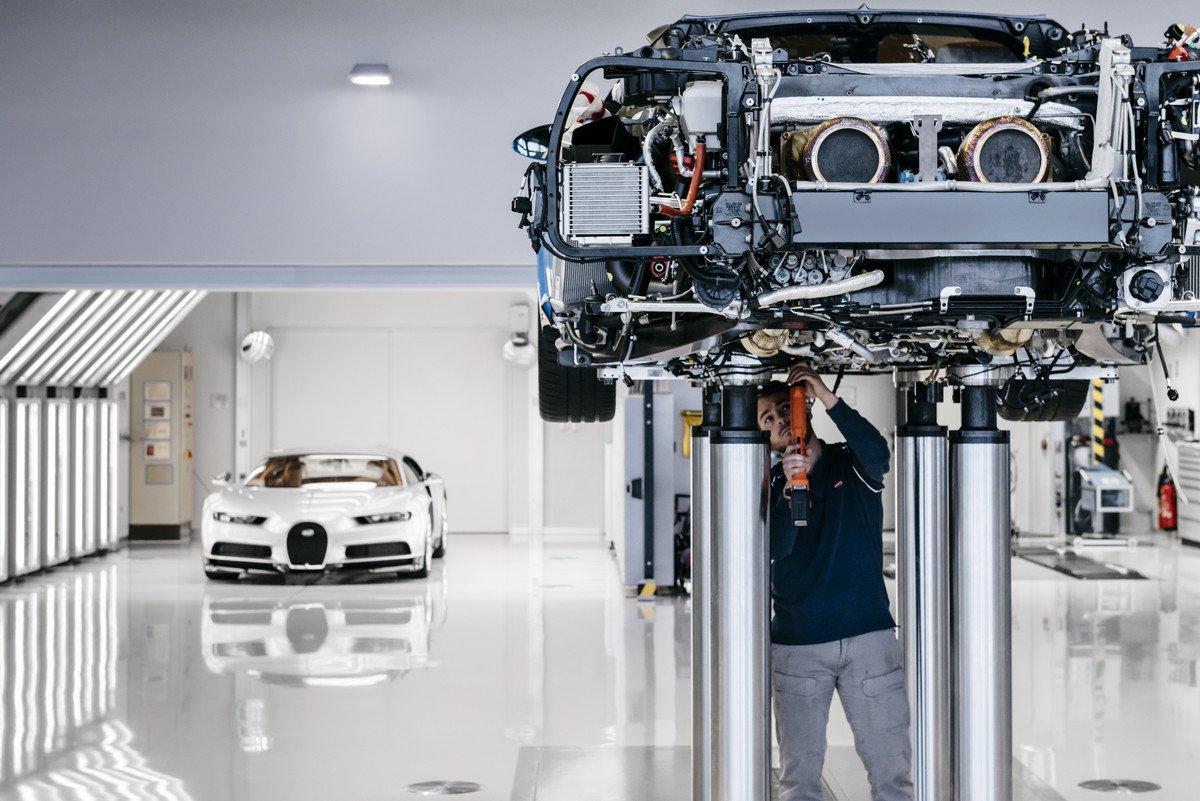Fábrica em Molsheim não usa robôs, apenas artesões