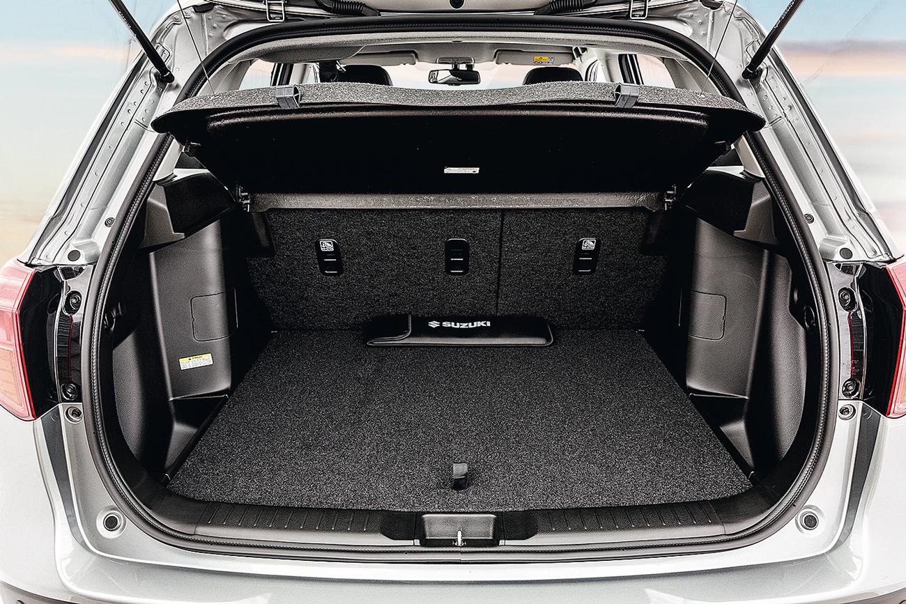 Porta-malas carrega 375 litros