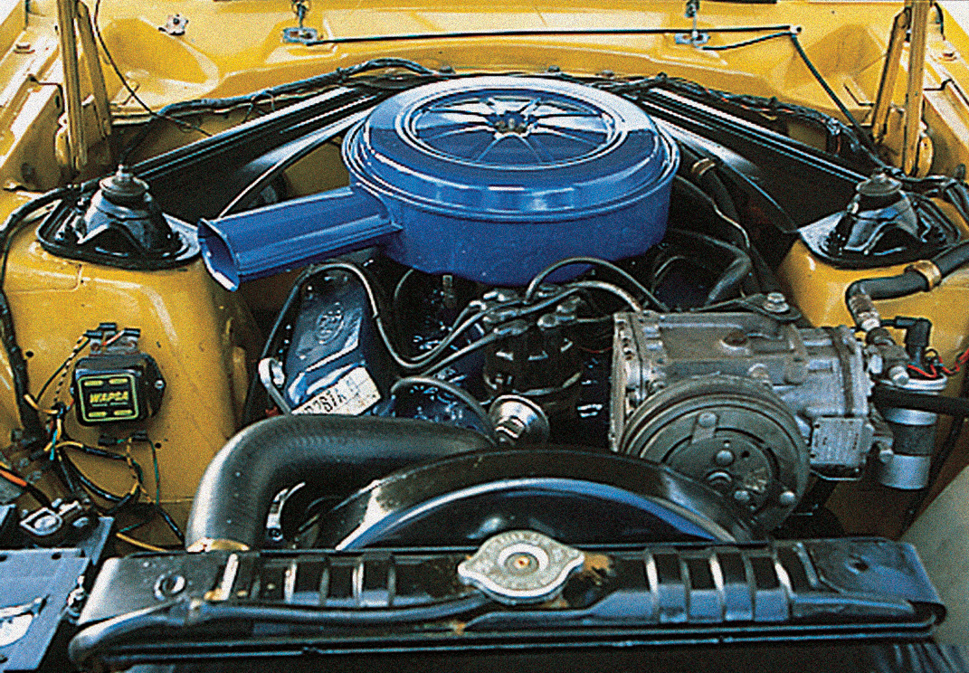 O motor V8 302 é o mesmo que equipava o Mustang