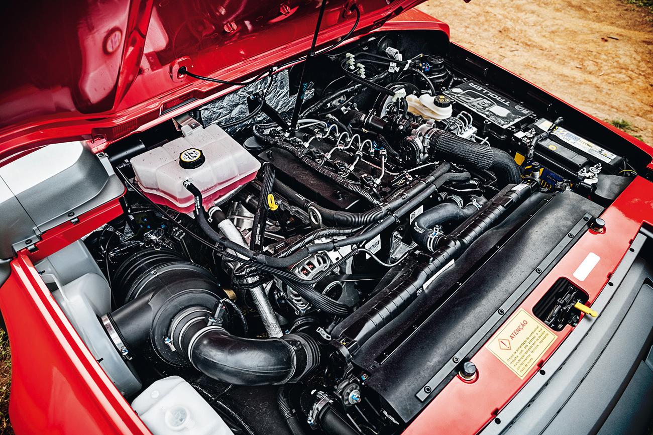 Potência do motor diesel do T4 é mais que o dobro do Jimny