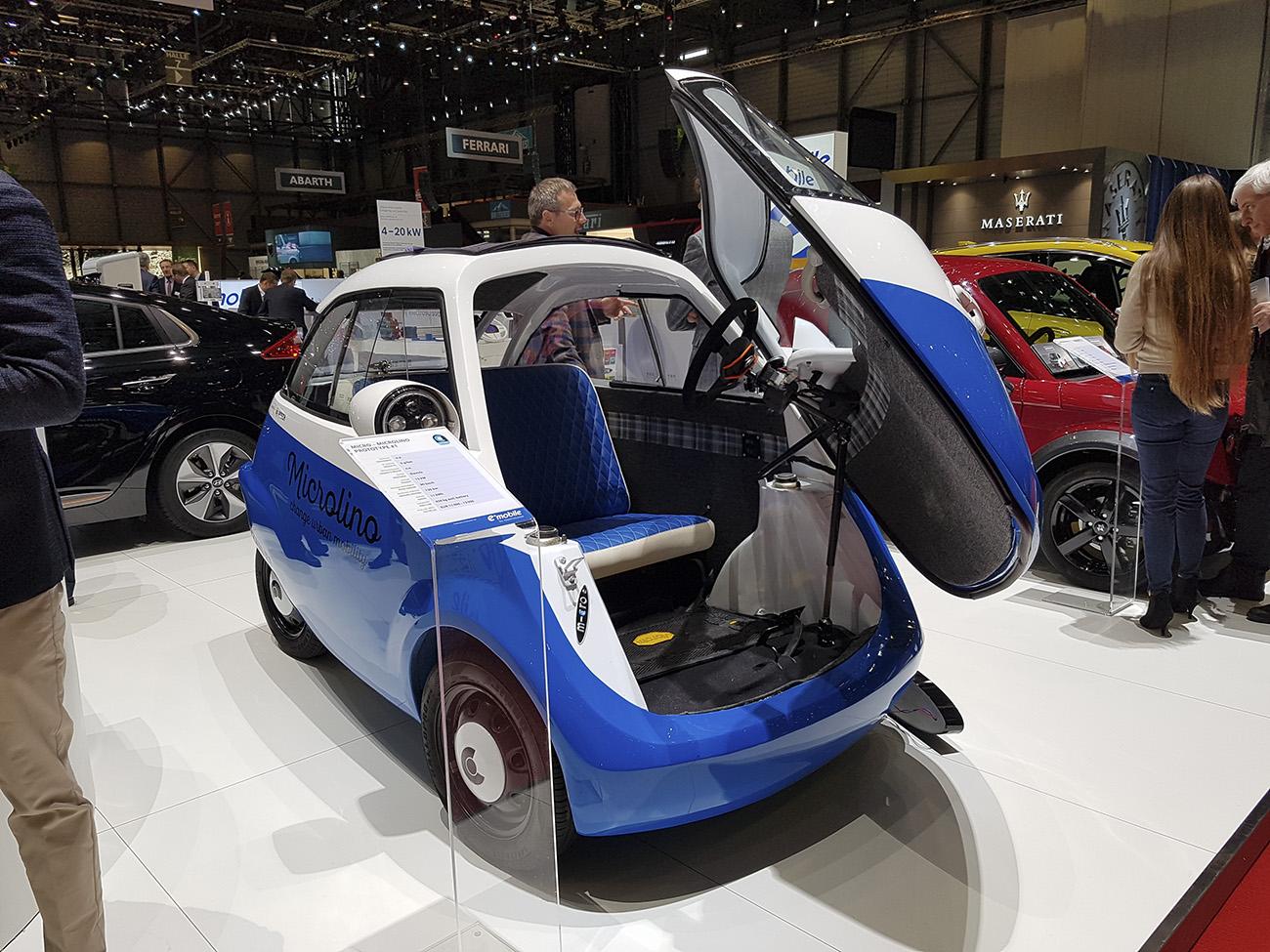 Com um motor elétrico de 15 kW, ele atinge 90 km/h e tem autonomia de 120 km