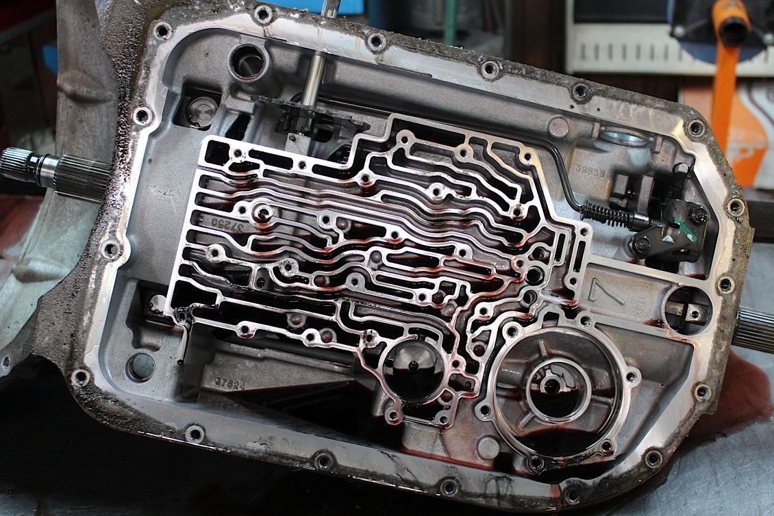Vale a pena trocar o fluido do câmbio automático via flushing? | Quatro Rodas