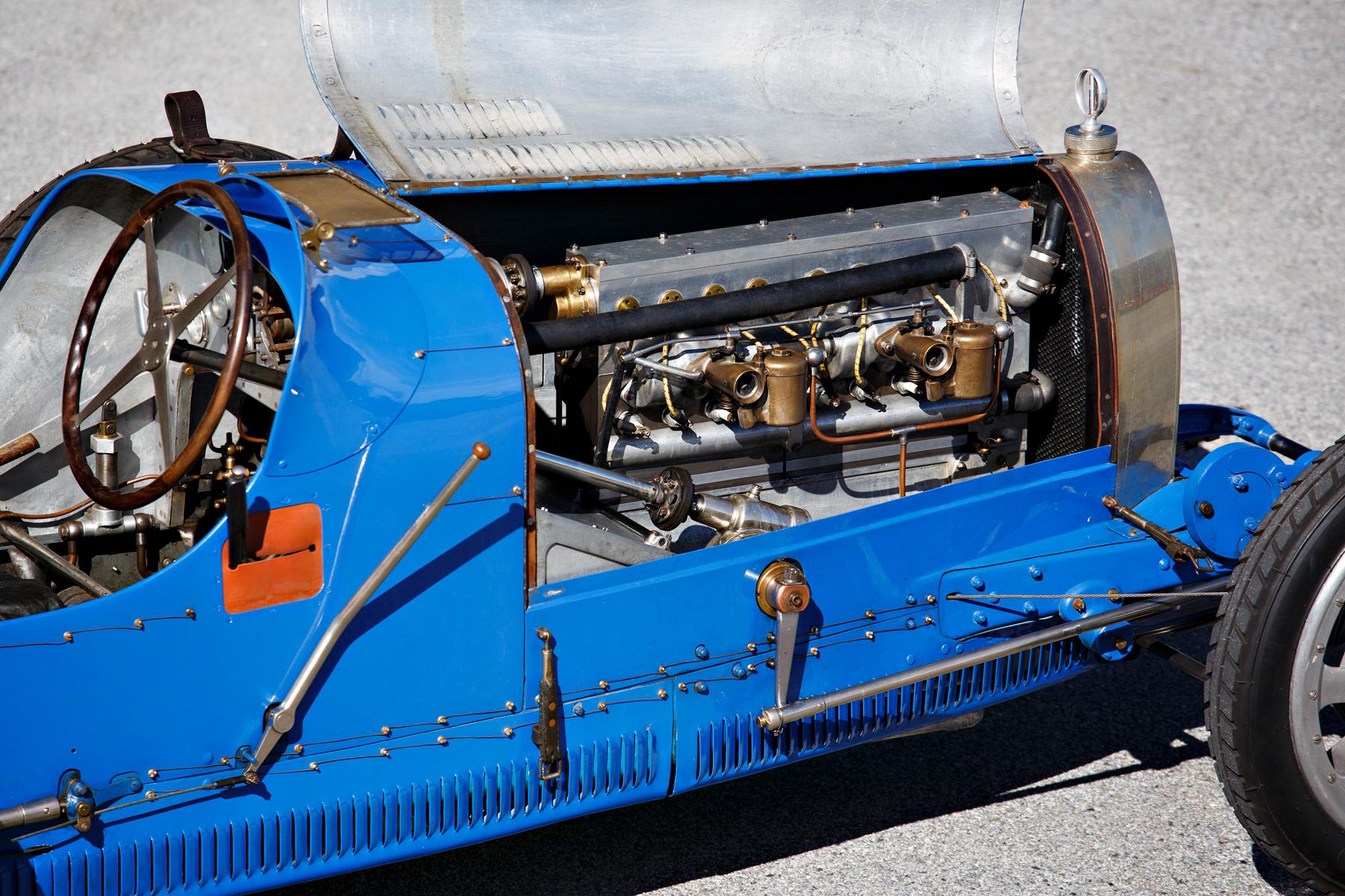 Motor de oito cilindros em linha do Bugatti Type 35