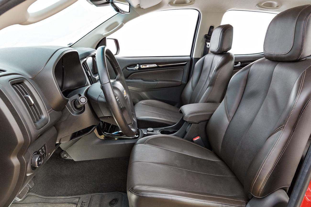 A suspensão confortável e a direção elétrica com variação correta passa segurança ao motorista