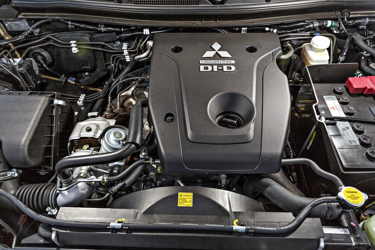 O 2.4 turbodiesel garante 190 cv