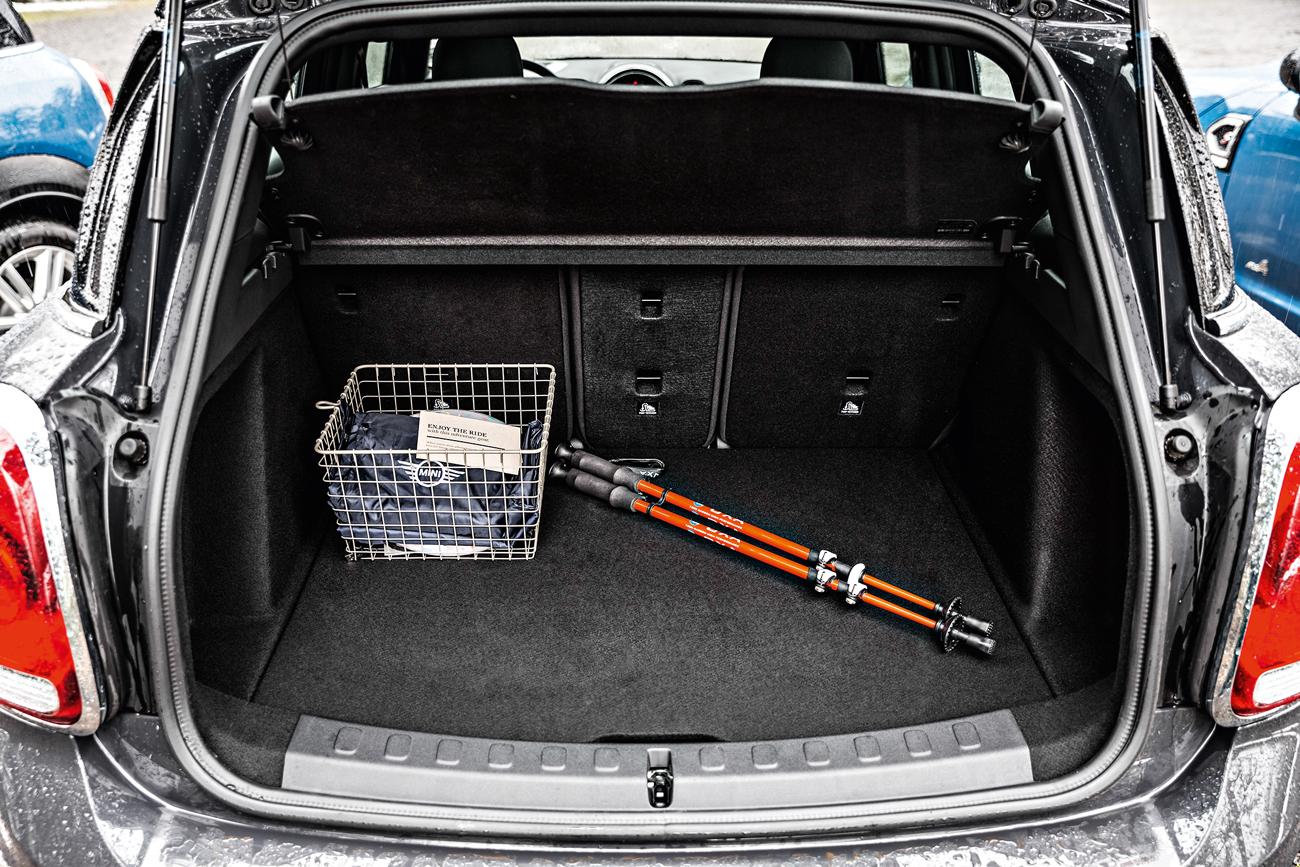 Porta-malas passou de 350 para 450 litros