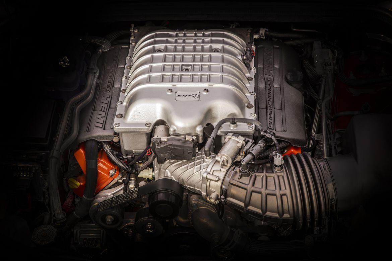 Motor V8 6.2 HEMI: 717 cavalos e 89,1 mkgf