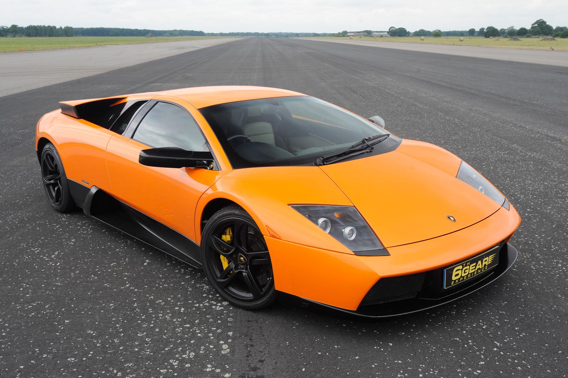 Como carro de locadora, este Lamborghini Murciélago rodou tanto quanto um táxi