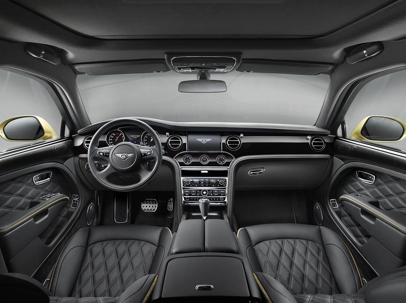Raridade: um Bentley com interior monocromático